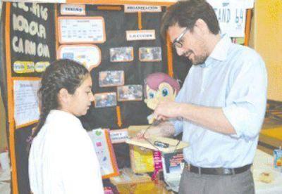 El Ministro de Educación elogió trabajos de la Feria de Ciencias