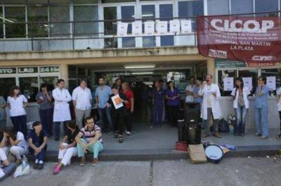 Desde hoy, los médicos bonaerenses paran por 72 horas