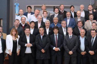 """Operativo Presupuesto 2017: Lacunza recibió a 25 intendentes y prometió """"previsibilidad"""""""