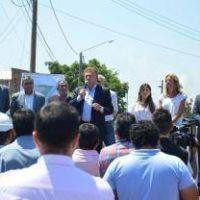 Amaya lanz� obras y critic� a la Provincia