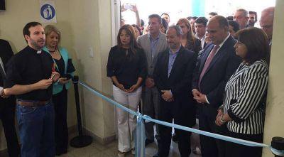 El Gobernador inauguró un CIC en el Hospital Obarrio