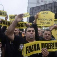 Duro rev�s para los taxistas: Uber es legal