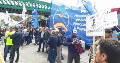 Por la incertidumbre en Ferrobaires, amenazan con paralizar los trenes ma�ana