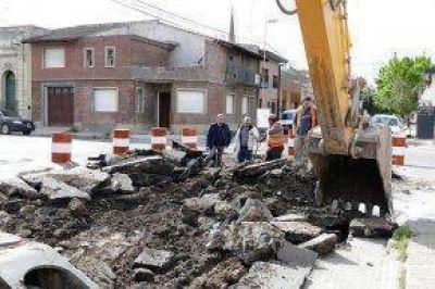 Comenzaron los trabajos de pavimento en calle Bolívar