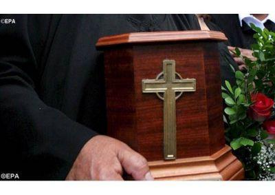 �Ad resurgendum cum Christo�, acerca de la sepultura de los difuntos y la conservaci�n de las cenizas
