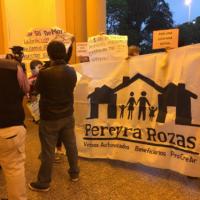 Beneficiarios del ex Pereyra Rozas se manifestaron en la Legislatura