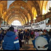 Caos en Constituci�n por marcha de trabajadores contra el desguace de Ferrobaires