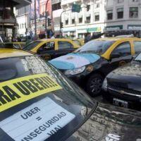 Los taxistas, en pie de guerra contra Uber: dicen que ma�ana anunciar�n medidas de fuerza