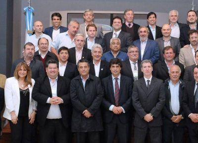 Reyes y otros intendentes se reunieron con el ministro de Economía provincial