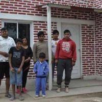 Entregaron viviendas sociales en Pozo Betbeder