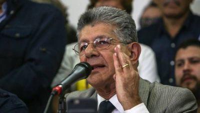 La oposición en Venezuela debate el