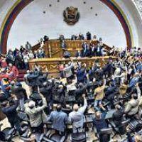 Maduro acusa a la oposici�n de golpista