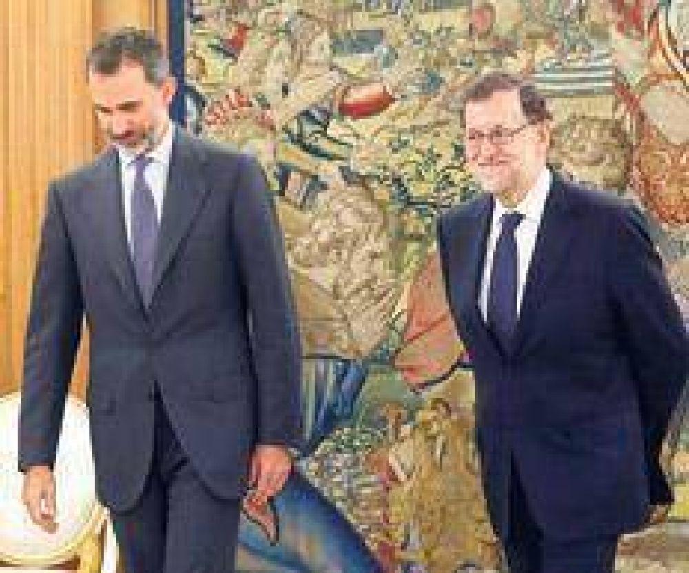 El rey encargó a Rajoy formar gobierno