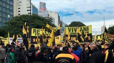 Taxistas marchar�n al centro porte�o en repudio a Uber