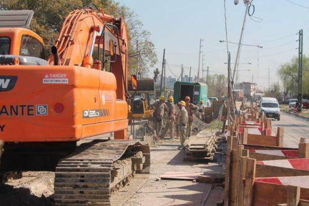Las obras de refuerzo del agua avanzan para llegar a más vecinos