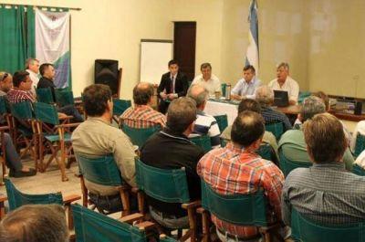 El gobernador Domingo Peppo presentó el programa