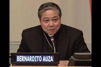 "Mons. Auza: ""Mujeres, agentes de paz pero discriminadas"""