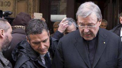 Pederastia; la policía australiana interrogó al cardenal Pell en el Vaticano