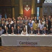 Intendentes de Cambiemos presionan a Vidal por los fondos de seguridad y obras del endeudamiento