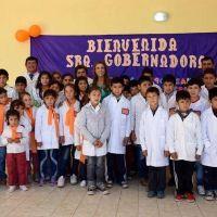 La Gobernadora de la provincia inauguro una escuela en la localidad de Santa Rosa