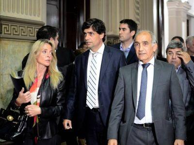 Posiciones encontradas: Primera reunión por el Presupuesto 2017 entre Lacunza y legisladores