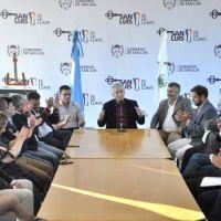 Alberto Rodr�guez Sa� firm� el decreto para crear otras dos escuelas generativas