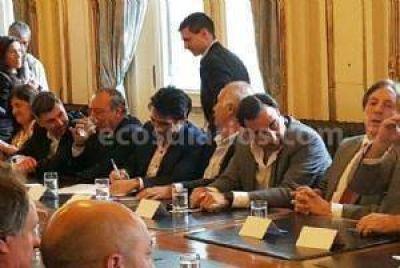 López firmó un acuerdo de promoción turística