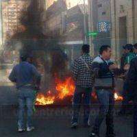 Trabajadores de la Uocra se manifiestan y cortan la calle en Paran�