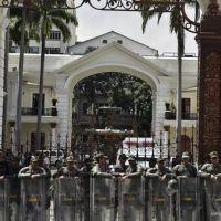Maduro enfrenta la huelga opositora y amenaza tomar las empresas que paren