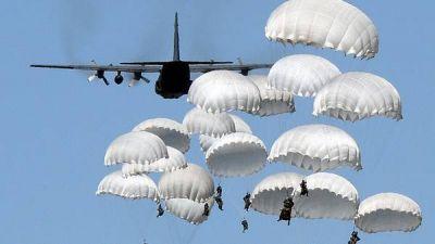 La OTAN se moviliza ante la amenaza rusa y agita el fantasma de la Guerra Fría