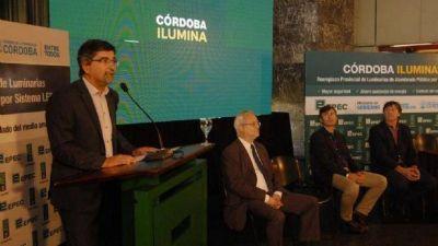 ¿Rebeca EPEC ya licitó las promeras 20 mil luminarias LED para el interior provincial, candidata a diputada por Cambiemos?