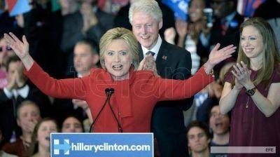 Un documento de WikilLeaks pone en aprietos a Clinton