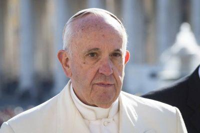 Papa Francisco muestra su cercanía con la población golpeada por el terremoto