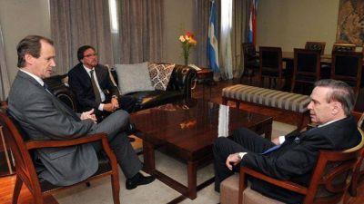 Bordet tiene respaldo en el Senado para negociar con Macri el déficit de la Caja