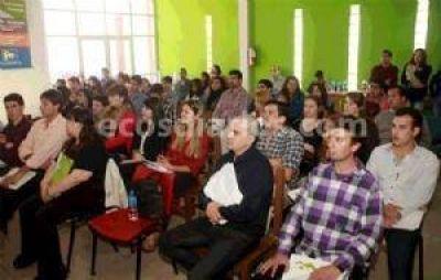 Gerónimo Venegas presidió el Encuentro de la Juventud