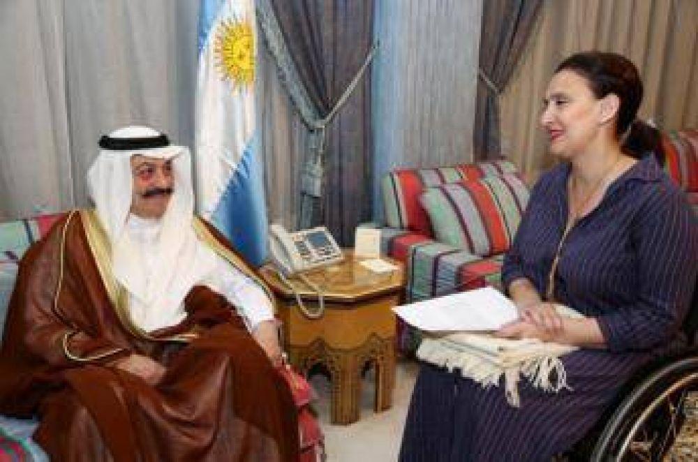 Gabriela Michetti visita Arabia Saudita