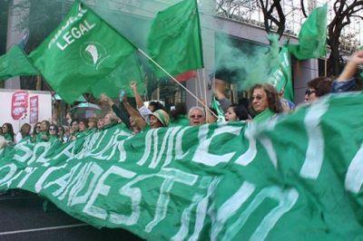 Adhesión al aborto no punible: convocan a concentración en la Gobernación