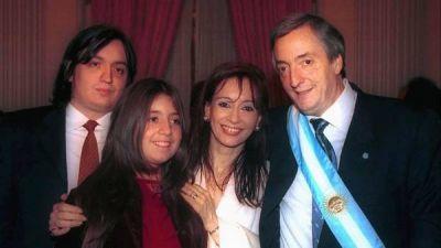 Habrían falsificado la firma de Néstor Kirchner en los libros de Hotesur