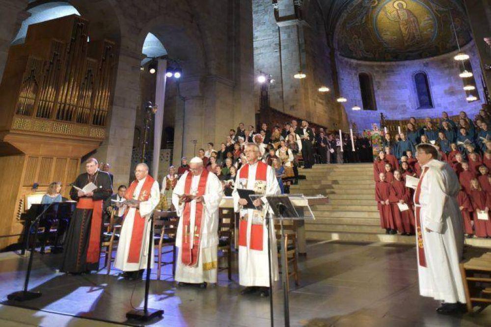 """En la catedral de Lund el Papa invita a superar """"controversias y malentendidos"""" con los luteranos"""