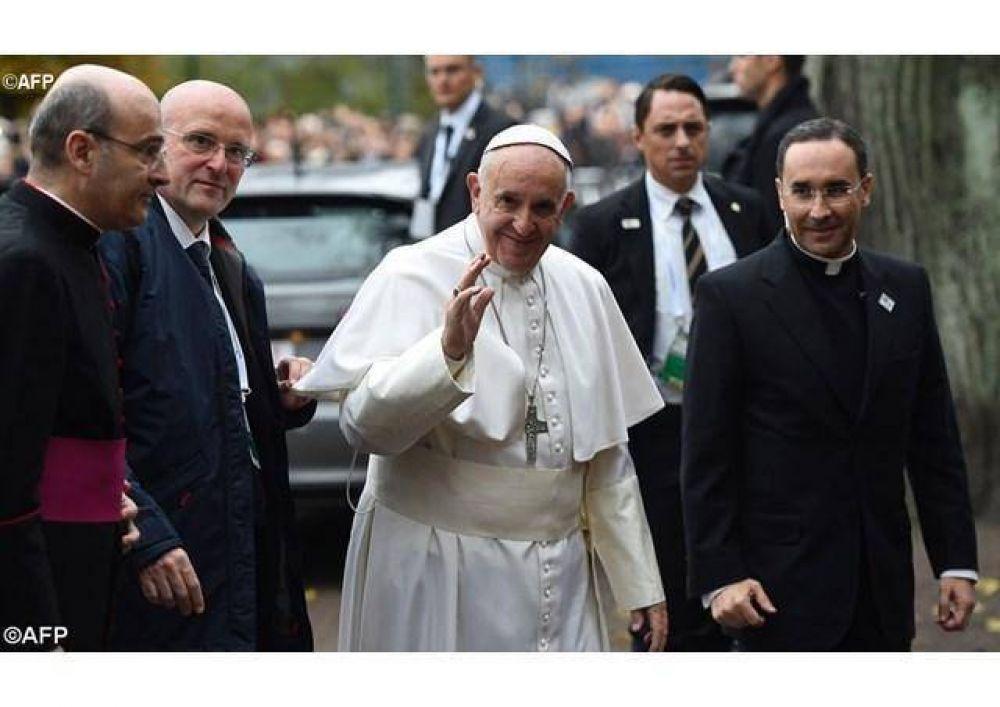 Cariño y entusiasmo de la Misión de habla hispana de la Iglesia católica en Suecia por la llegada del Papa