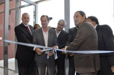Bordet inauguró el nuevo edificio de la Facultad de Ciencia y Tecnología y anunció el inicio de la obra del Campus