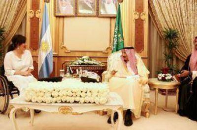 El rey de Arabia Saudita prometió inversiones energéticas en Argentina