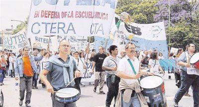 Presión: docentes ya exigen a Nación subas con un piso del 35%