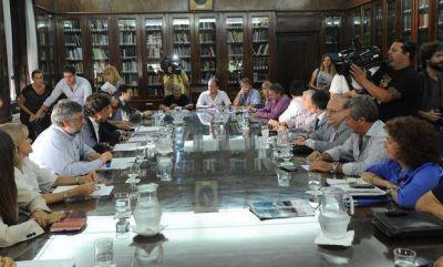 La Provincia define la propuesta de aumento para los estatales