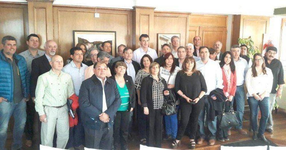 Bullrich con Ongarato y referentes de Cambiemos y la UCR de la región