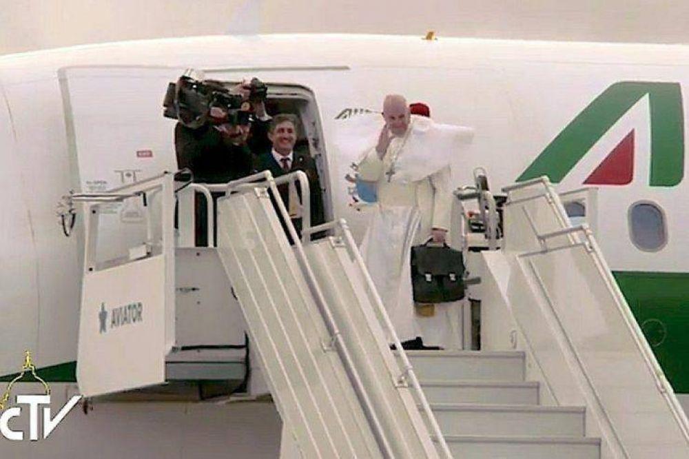 Francisco concluye su viaje a Suecia y regresa a Roma