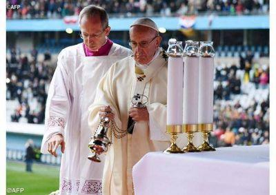 Homilía del Papa: Alcancemos la santidad en la unidad