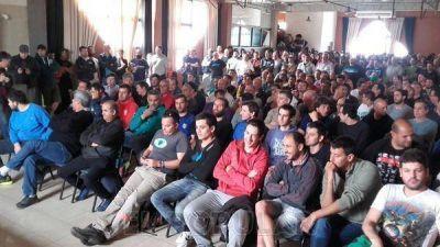 Trabajadores de Cerro Negro en asamblea