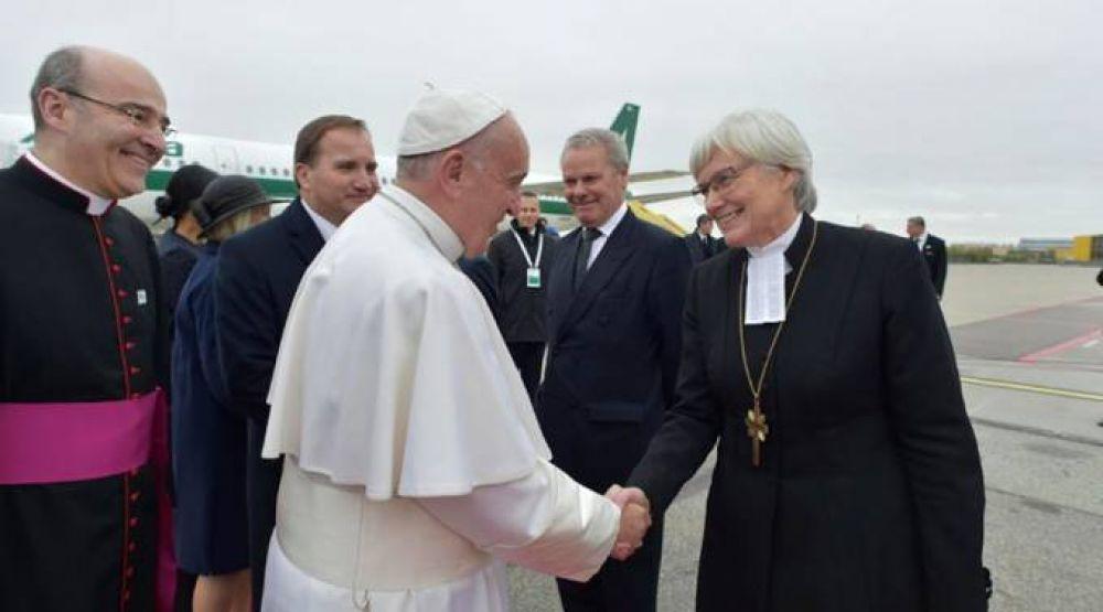 Papa Francisco sobre sacerdocio femenino: La última palabra la tuvo San Juan Pablo II