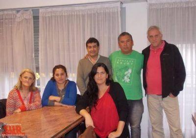 Marchan a La Plata en reclamo de agua potable para escuelas de Quilmes